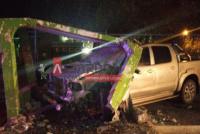 Fuerte choque en Albardón: una camioneta destrozó una garita