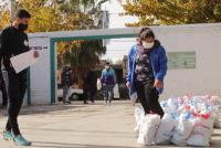 Continúa la entrega de módulos y copa de leche en instituciones deportivas de Angaco