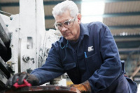 Mayores de 60 años pertenecientes al sector privado podrán volver a trabajar