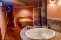 Muerte y misterio en un hotel alojamiento de Rivadavia