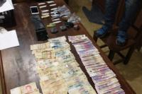 Hallan drogas y dinero en un allanamiento por un robo agravado