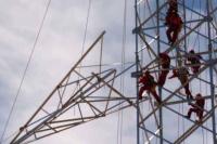 Trabajador cayó al vacío de una torre de alta tensión y su estado es delicado