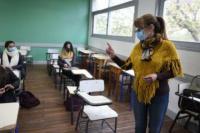 Alumnos del último año de secundaria podrán terminar las clases en abril de 2021