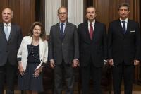La Corte Suprema prohibió por el momento reemplazar a los jueces que investigaron a Cristina