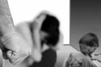 Chimbas: golpeó a su pareja frente a los hijos y acabó detenido