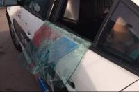 Chimbas: menor golpeó a su novia, rompió el vidrio de un patrullero y fue detenido