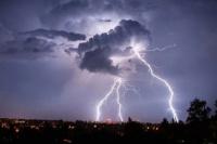¡Alerta amarilla en San Juan! se esperan tormentas con granizo para la noche del viernes