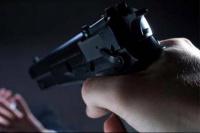 A punta de pistola, ladrones redujeron a una familia: robaron un auto y $10 mil