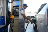 El gobierno emitió un decreto para prorrogar el aumento del combustible