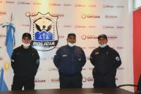 Tres policías asistieron a una mujer durante un parto en una casa de Capital