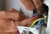 Dos trabajadores sufrieron una descarga eléctrica y fueron hospitalizados