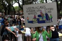 """Padres Organizados de San Juan piden la vuelta a clases con una presencialidad """"del 100%"""""""