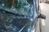 Abrió la puerta del auto sin mirar y una mujer en bicicleta voló y sufrió una fractura