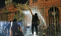 Protestas contra las restricciones en Olivos y Casa Rosada
