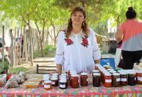 """""""La Chinguinga"""" y el amor de madre e hija en sus productos artesanales"""