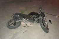 Una motociclista chocó contra un perro y sufrió serias fracturas