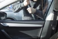 Un hombre de 29 años quedó detenido tras forzar la cerradura de un auto