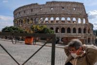 Tras 7 meses Italia logra tener su número más bajo de fallecidos por coronavirus