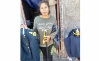 Es mamá, estudiante, vive en una vivienda precaria y compañeros buscan ayuda para la joven