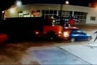 Video: camionero mediaguino destrozó el auto del novio de su expareja