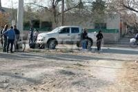 Camioneta manejada por un menor, atropelló a una moto y una mujer sufrió fractura expuesta