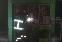 Se incendió un maxikiosco de Capital y hubo pérdidas materiales
