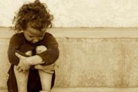 Nena se desmayó en la escuela por el frío y descubren que vive una extrema situación de pobreza