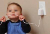 Un bebé mordió el cable de una estufa y recibió una descarga: fue hospitalizado