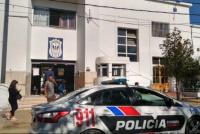 Manejaba borracho y chocó su Audi frente a la Central de Policía