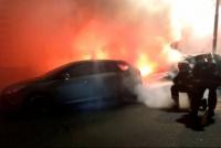 Susto en Chimbas: un auto se incendió y explotó el tanque de GNC