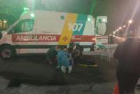 Un motociclista terminó hospitalizado e inconsciente tras ser embestido por un auto