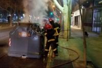 Dos mujeres fueron detenidas por quemar 3 contenedores en el barrio San Martín