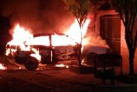 Rawson: llegaba a su casa y se le incendió el auto