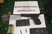 Secuestran un arma y municiones en un allanamiento en el barrio Cipolletti