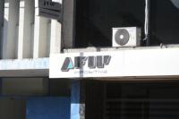 En campaña, el Gobierno oficializó la suba del piso de Ganancias a 175.000 pesos