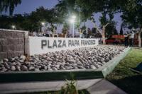 Con estatua incluida, inauguraron la plaza Papa Francisco en el barrio CGT Chimbas