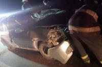 Madrugada accidentada: un hombre volcó su auto en la Av. Costanera